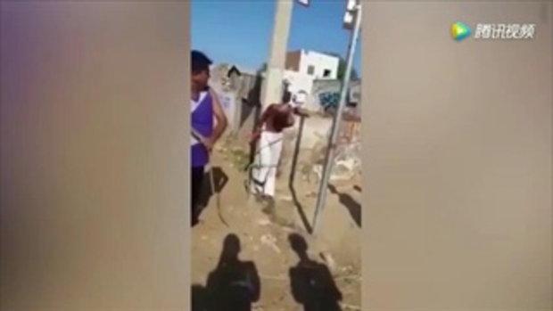 ชายอินเดียพยายามข่มขืนด.ญ. 10 ขวบ ชาวบ้านจับมัดเสา-เฆี่ยนไม่ยั้ง