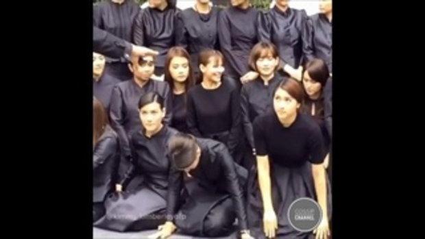 คิม มาร์กี้ ญาญ่า และนักแสดงหญิงช่อง3ร่วมถ่ายรูป ถวายความอาลัย พระบาทสมเด็จพระเจ้าอยู่หัวในพระบรมโกศ