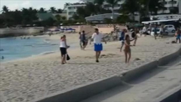นาทีมรณะ สาวอยากลองของ ทดสอบแรงเครื่องบินไอพ่น ก่อนร่างปลิวกระแทกดับคาชายหาด