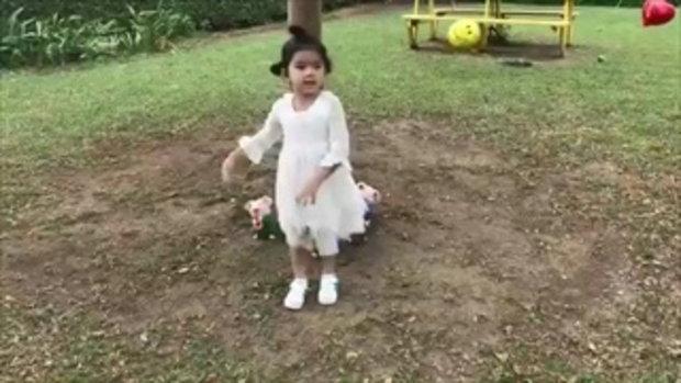 เมื่อ มะลิ โชว์เต้นท่า ปานามา ดุ๊กดิ๊กน่ารักเหมือนตุ๊กตาเลย