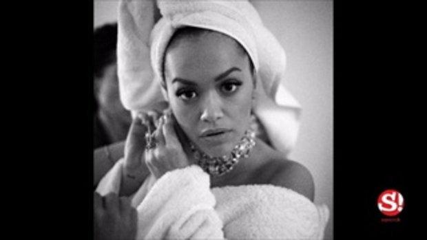 แฟชั่นชุดคลุมอาบน้ำของ Rita Ora บนพรมแดง งาน MTV EMA 2017 ไปไกลมาก