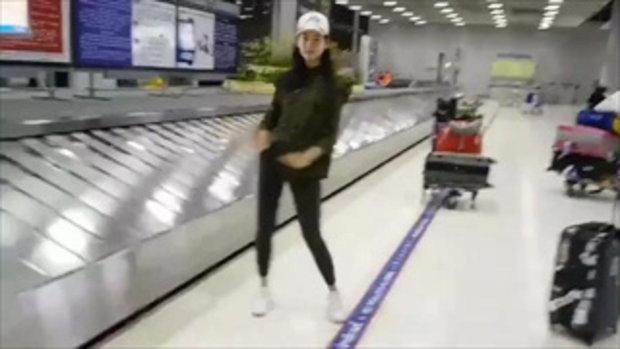 เมื่อ โบ เมลดา เต้น ปานามา กลางสนามบิน ลีลาเด็ดจริง ต้องยอมเธอเลย