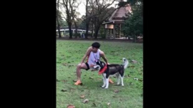 โตโน่ นี่คือท่าวอร์มก่อนวิ่ง เต้นได้ตะมุตะมิมากๆในงาน 6ขาหมาพาวิ่ง