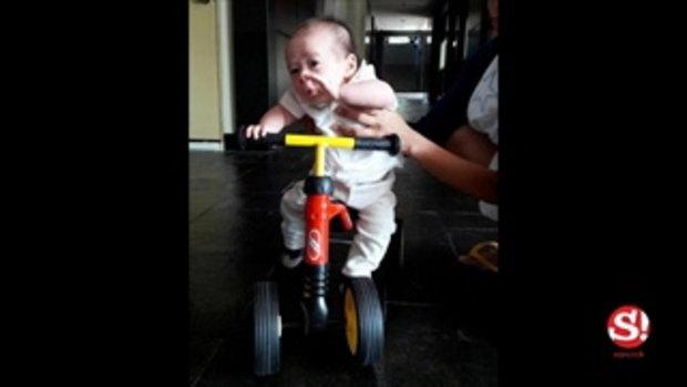 น่ารัก สายฟ้า ลูกแฝดแม่ชมพู่ พ่อน็อต วันนี้ขอขี่จักรยานไปแตะขอบฟ้า
