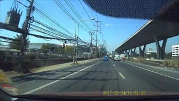 อุทาหรณ์! นาทีรถเทรลเลอร์เกิดอุบัติเหตุสลด ขับทับคนขี่ จยย. ทั้งรถทั้งคน
