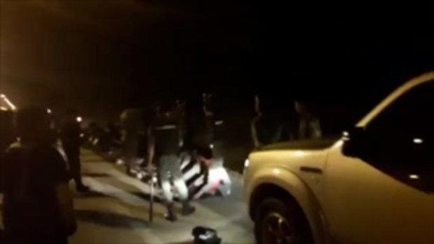 เด็กแว้นแตกฮือ !! โดนรถขวางถนนไล่ต้อนจับดับซ่าส์ยึดจยย. จับตรวจฉี่เจอม่วง