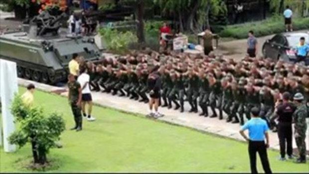 แฟนสาวเซอร์ไพรส์ทหาร ซึ้งมาก!