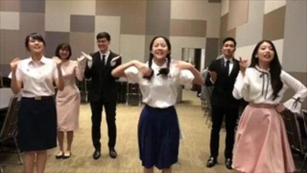 """เมื่อพี่ๆ นักแสดงโคจรมาพบน้องๆ BNK48 เกิดเป็น """"คุกกี้เสี่ยงทาย"""" เวอร์ชั่นน่ารักคูณสอง!!"""