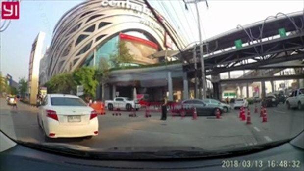 สังคมน่าอยู่ แชร์สนั่นคลิปหนุ่มไหว้ขอบคุณ หลังรถยนต์ให้ทางข้ามถนน
