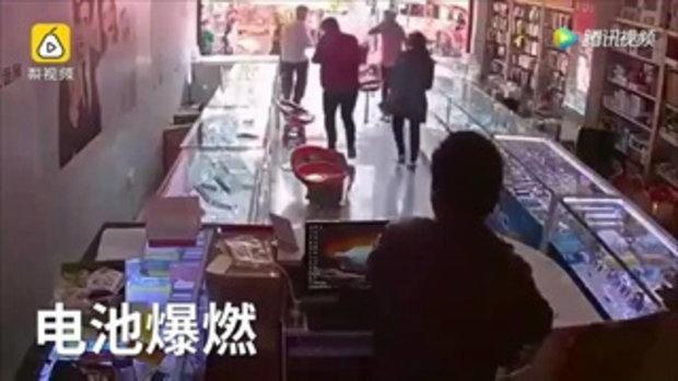 หนุ่มซื้อแบตฯ มือถือมาเปลี่ยนเอง เกิดระเบิดไฟลุกใส่หน้า