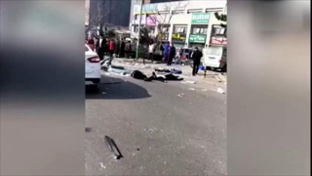 ช็อก ถังแก๊สร้านหม้อไฟในจีนระเบิด อัดร่างลูกค้ากระเด็นข้ามถนน