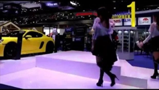 ระอุ! จัดเต็ม พริตตี้ ขาวหมวยอกตู้มสายย่อ งาน Motor Show 2018 มอเตอร์โชว์2018