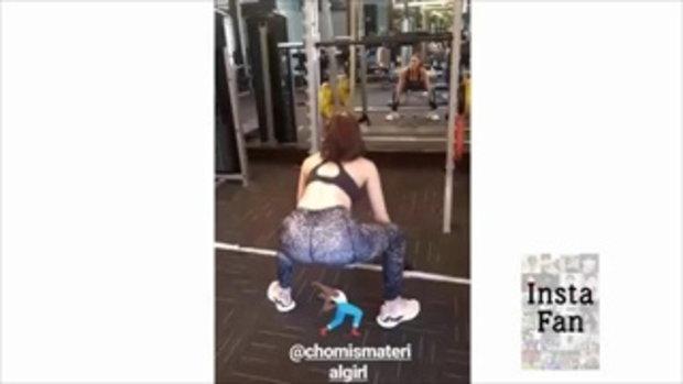 คุณแม่ ชมพู่ อารยา พาน้องสายฟ้า มาให้กำลังใจในการออกกำลังกายด้วย