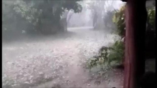 ลำปางพายุลูกเห็บถล่มหนัก บ้านพัง 40 หลัง อุตุฯเตือนชาวบ้านรับมือ ฝนตก ลมแรง