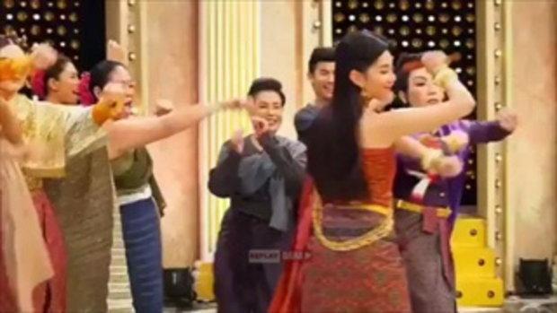 แม่หญิงเบลล่า น่ารัก ใจดี รักเด็ก หนูน้อยแต่งชุดไทยมาหาถึงกองถ่าย น่าเอ็นดูจริงๆ