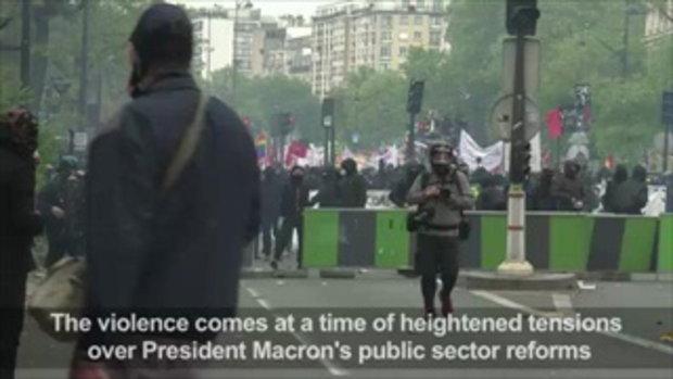 เหตุการณ์เดินขบวนประท้วง ประธานาธิบดี เอ็มมานูเอล มาครง ในปารีส