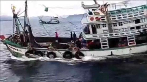 โต้จับฉลามวาฬ! ไต้ก๋งเผยพยายามช่วยดันลงทะเล อ้างนำขึ้นเรือเพราะไม่รู้