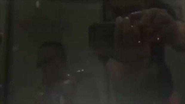 กล้องจับชัด !! นาทีโจรแสบเนียนไหว้หลวงปู่ท้วม ก่อนงัดตู้บริจาคขโมยเงิน