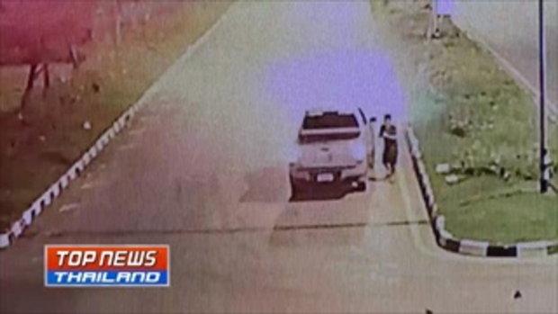 หนุ่มแม่กลองขับกระบะ เลี้ยวฝ่าไฟแดง จยย.ขี่มาทางตรงชนด้านข้างอย่างแรง คนขับเสียชีวิตคาที่