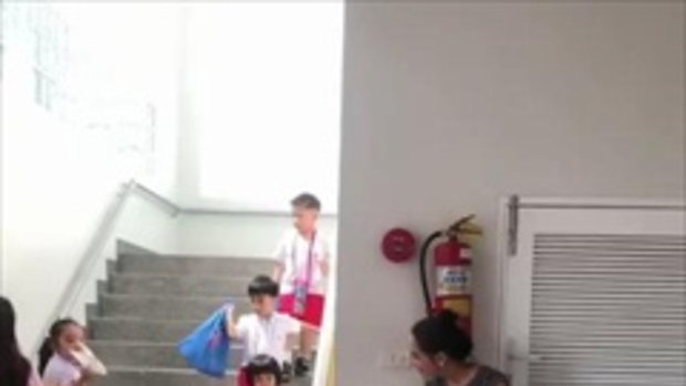 พลอย เฌอมาลย์ เซอร์ไพรส์หลานชาย แอบไปรับที่โรงเรียนครั้งแรก