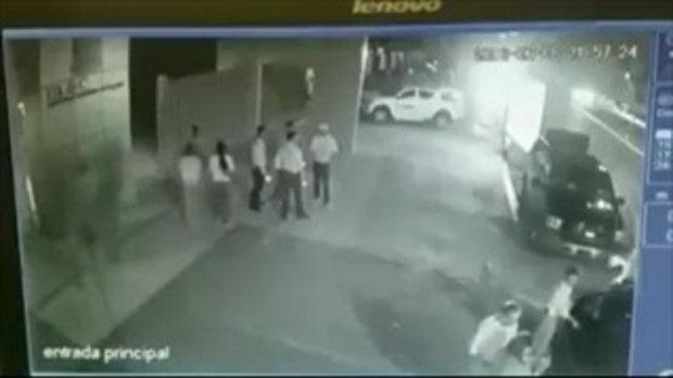 จ่อยิงเผาขนอดีตนายกเทศมนตรีในเม็กซิโก ขณะหยุดเซลฟีกับแฟนคลับ
