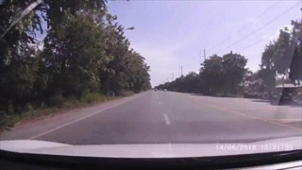 เปิดคลิปกล้องหน้ารถ นาทีเก๋งครูสาวประสานงารถเซลส์สาว ดับทั้งคู่