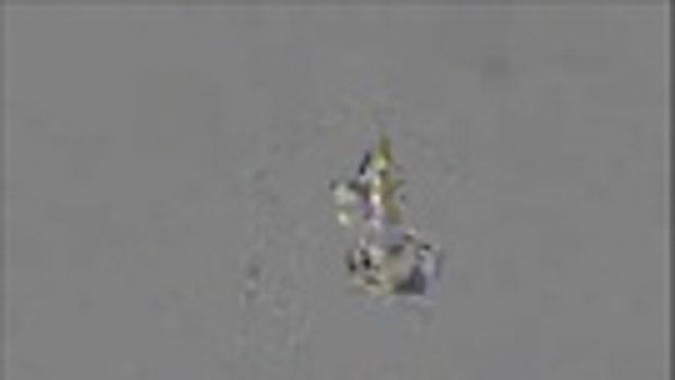 """หวิดสิ้นชื่อ """"หงอคง"""" นักกายกรรมจีนแสดงพลาด ร่วงจากยอดเสาสูง 10 เมตร ร่างกระแทกพื้นอย่างจัง"""