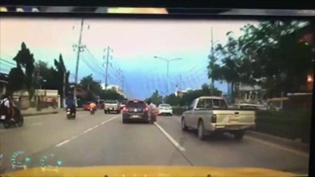 อุบัติเหตุ รถจักรยานยนต์ชนรถเก๋ง ไฟไหม้รถจักรยานยนต์