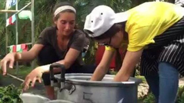 สาวอเมริกันตั้งใจมาเที่ยว ทราบข่าวเหตุที่ถ้ำหลวง จึงเปลี่ยนมาเป็นอาสาช่วยทำกับข้าว