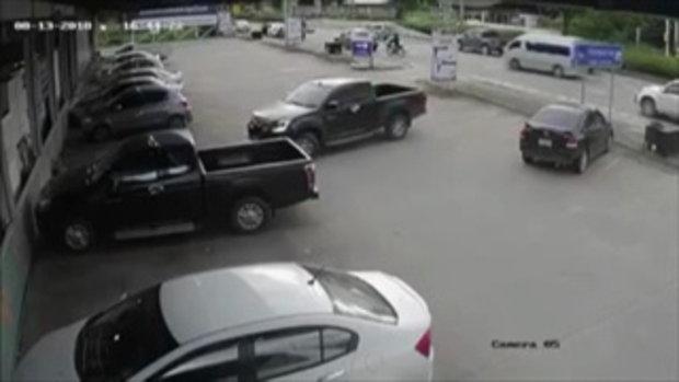 กระบะชนสองเด็กหญิงลีซอดับกลางถนนแล้วหนี