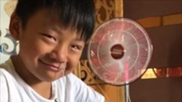 หนุ่มน้อยอัดอั้น ปิดเทอมทั้งทีมัวแต่ทำการบ้าน ระบายด้วยน้ำตา!