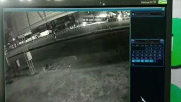 วงจรปิด วินาทีบิ๊กไบค์พุ่งชนรถเก๋ง คนซ้อนท้ายร่างกระเด็น-ตกกระแทกพื้นดับคาที่