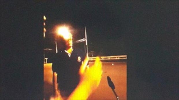 นักศึกษาหนุ่มโพสต์คลิป ตำรวจกร่างยิงปืนขู่ แย่งโทรศัพท์