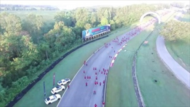 """สีสันบรรยากาศ การแข่งขันวิ่งการกุศล """" รัน วิธ ต๊อด """""""