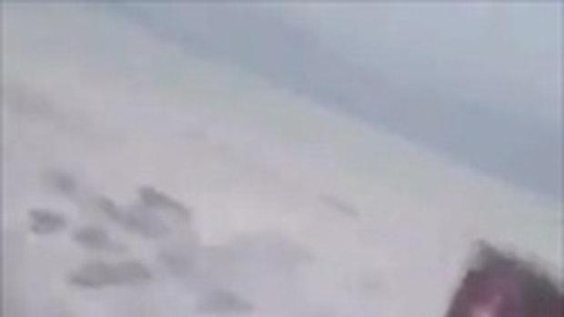 คลื่นสึนามิที่อินโดนีเซีย หลังเกิดแผ่นดินไหวความรุนแรงระดับ 7.5 แมกนิจูต