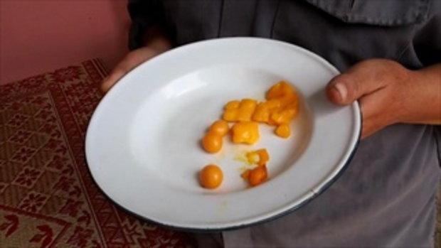 ชาวบ้านผวา พบพวงไข่ไก่คล้ายๆ ของปลอม