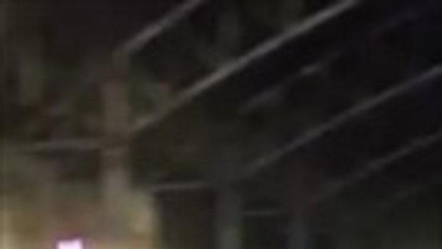 คลิปนี้โจ๋ลำปาง ตะลุมบอน กลางคอนเสิร์ต 'ปู พงษ์สิทธิ์' หยุดเล่นกระทันหัน