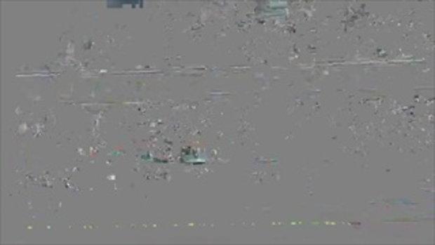 แฟนบอลโอมานฉลองแชมป์กัลฟ์คัพ แผงกั้นถล่มร่วงเจ็บระนาว