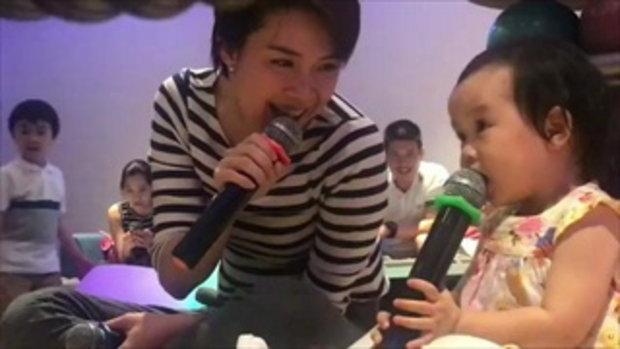 เป๊ะมาก น้องริต้า ลูกสาวนิหน่า ร้องเพลงคู่กับแม่