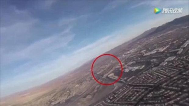 ชาวโลกด่ายับ บินโดรนถ่ายภาพ เฉียดเครื่องบินแลนดิ้งนิดเดียว
