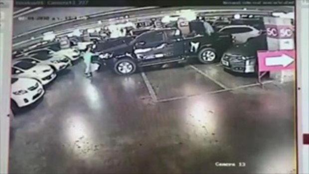 เปิดนาทีพุ่งชนรถหรูกลางห้างดัง คู่กรณีโต้ อยากได้เงินไปฟ้องเอง