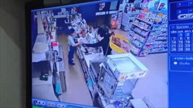 หนุ่มควงขวานปล้นร้านสะดวกซื้อได้เงินไป 5 พันกว่าบาท ตำรวจเร่งล่าตัว