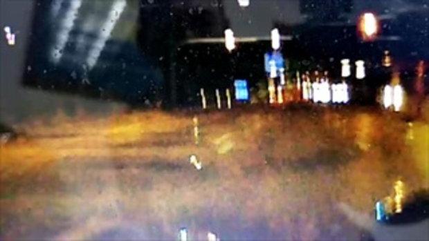 กระบะเกี่ยวจักรยานยนต์ล้ม เสียชีวิต 1 เจ็บ 1 กล้องหน้ารถจับภาพเหตุการณ์