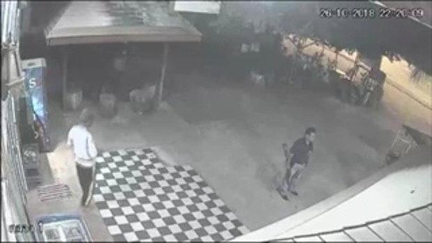 ผู้ใหญ่บ้านควงปืนลูกซองบุกขู่ร้านค้าของชำ