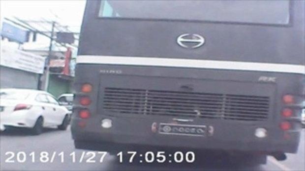 สลด! รถบัสทหารเหยียบนักเรียน 9 ขวบ เสียชีวิต