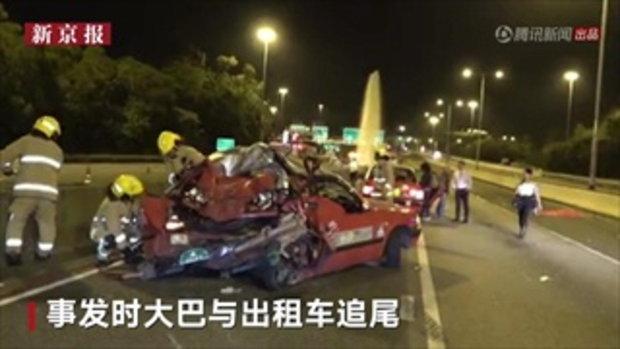 รถบัสท่องเที่ยวชนกับแท็กซี่ที่ฮ่องกง ผู้โดยสารกระเด็นออกจากรถ ดับ 5 เจ็บอีกอื้อ