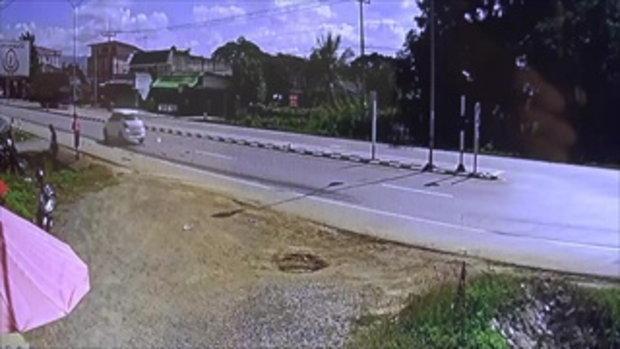 อุบัติเหตุรถกระบะตัดหน้ากระบะชนเละ