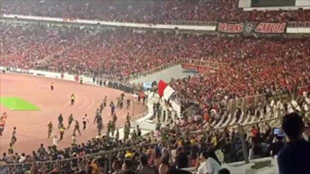 เหตุวุ่นวาย แฟนบอลอินโดนีเซีย ปะทะ แฟนบอลมาเลเซีย ศึกคัดบอลโลก