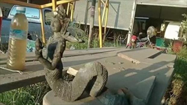 ผัวเมียลุ้นโชคใหญ่ ชายแก่มาขอน้ำกินก่อนชี้ไปใต้ต้นมะยม รุ่งขึ้นพบรูปปั้นองค์เทพนาคา