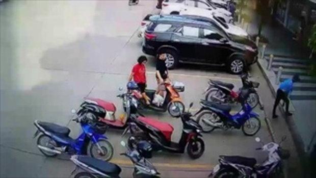 โอละพ่อกล้องจรปิดจับภาพชายหนุ่มขี่รถผิดคันหน้าร้านฯวุ่นทั้งเมืองชัยภูมิ